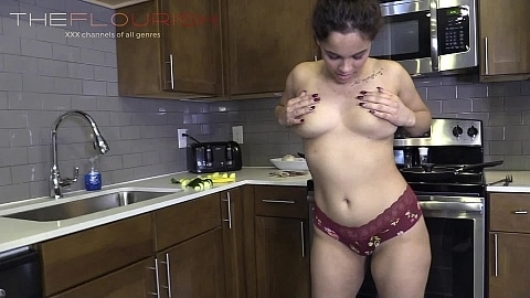 Cooking and ANAL Sex featuring Benjamin Cox, Emma Rose and Lexi Rose